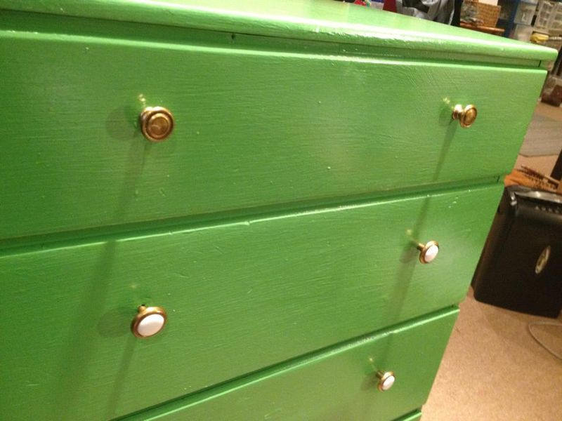 1502 LS paint green dresser